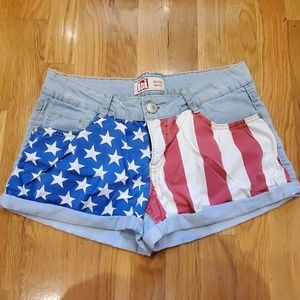 l.e.i. American Flag Shorts